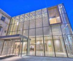 The glass entrance to the new Asheville Art Museum.