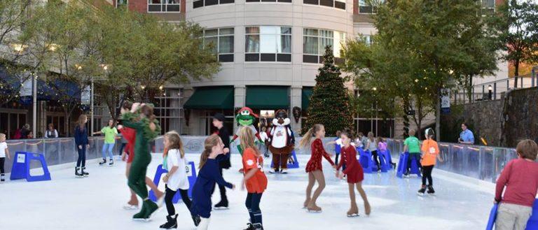 Children skating around the United Ice on Main rink.