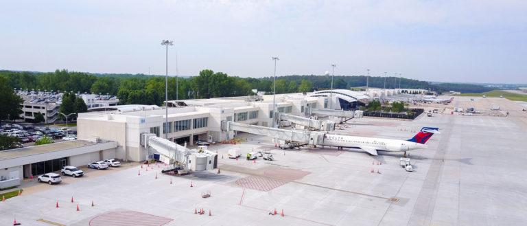 An aerial view of the Greenville-Spartanburg International Airport tarmac.