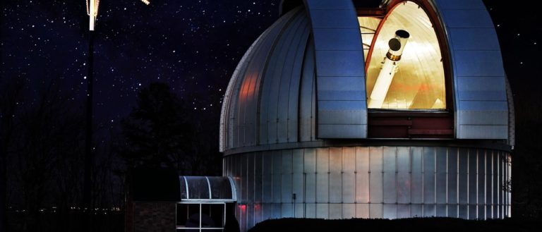 Roper Mountain ScIence Center's Daniel Observatory at night.